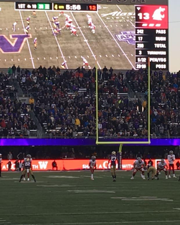 Last year's Apple Cup was played at Husky Stadium. This one in Pullman has been canceled.