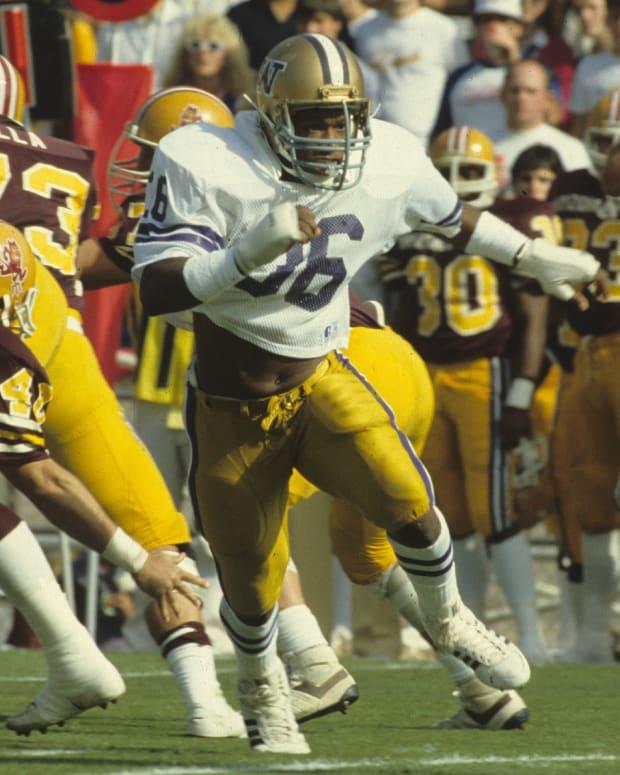 Joe Kelly is perhaps Washington's greatest linebacker.