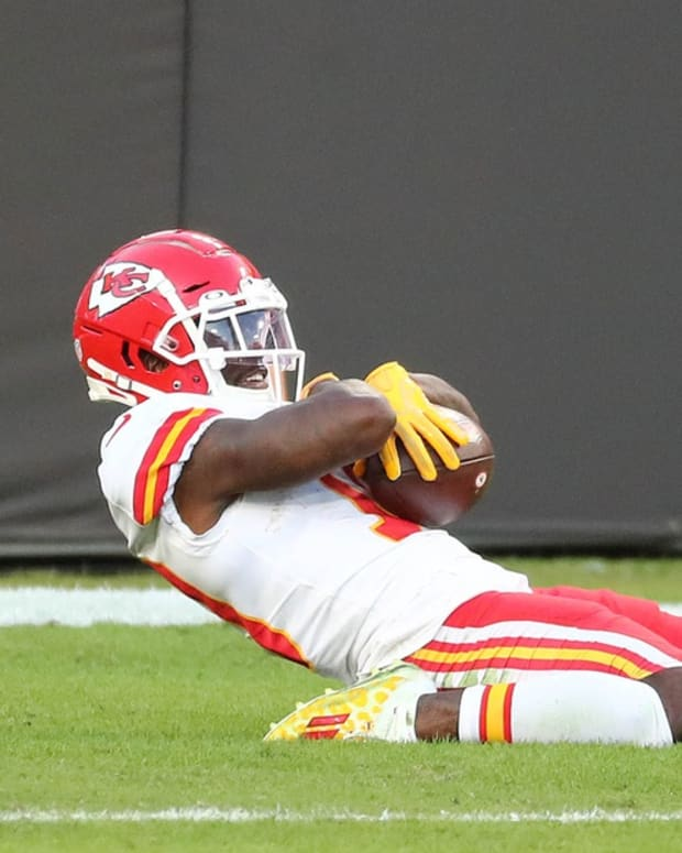 Nov 29, 2020; Tampa, Florida, USA; Kansas City Chiefs wide receiver Tyreek Hill (10) celebrates his touchdown scored against the Tampa Bay Buccaneers during the first half at Raymond James Stadium. Mandatory Credit: Kim Klement-USA TODAY Sports