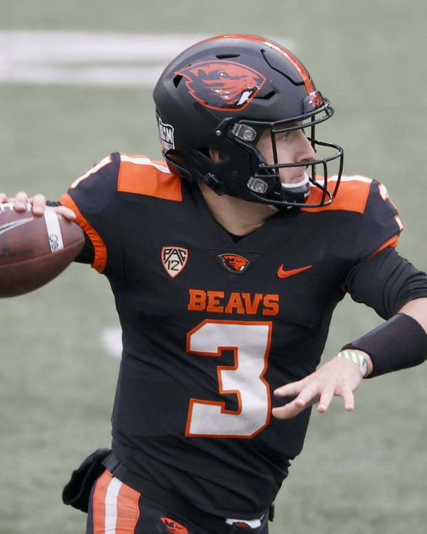 Nov 21, 2020; Corvallis, Oregon, USA; Oregon State Beavers quarterback Tristan Gebbia (3) looks to throw against the California Golden Bears during the first half at Reser Stadium.