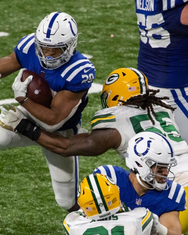 """Indianapolis Colts rookie running back Jonathan Taylor, placed on the reserve/COVID-19 list on Saturday, has been confirmed as a """"close contact"""" case, which means he was in contact with someone who tested positive. If he has five consecutive negative COVID-19 tests, he can return to play Sunday."""