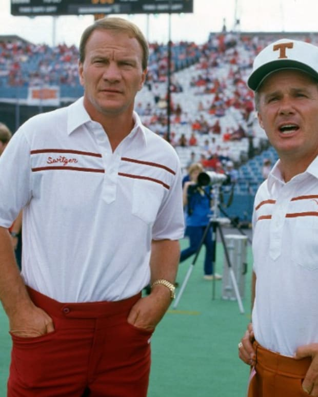 Barry Switzer-Fred Akers