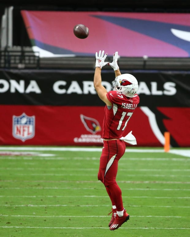 Arizona Cardinals wide receiver Andy Isabella (17) catches a pass against the Detroit Lions in the first half at State Farm Stadium.