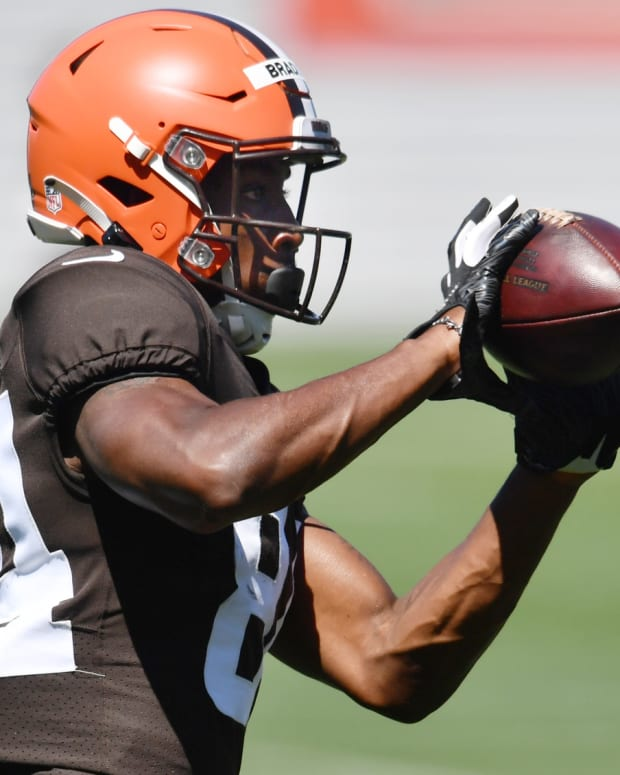 Aug 19, 2020; Berea, Ohio, USA; Cleveland Browns wide receiver Ja'Marcus Bradley (84) makes a catch during training camp at the Cleveland Browns training facility. Mandatory Credit: Ken Blaze-USA TODAY Sports
