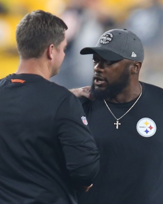 Sep 30, 2019; Pittsburgh, PA, USA; Cincinnati Bengals head coach Zac Taylor (left) greets Pittsburgh Steelers head coach Mike Tomlin (right) before their game at Heinz Field. Mandatory Credit: Charles LeClaire-USA TODAY Sports