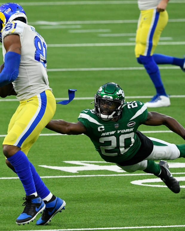 Jets S Marcus Maye dives for tackle vs. Rams