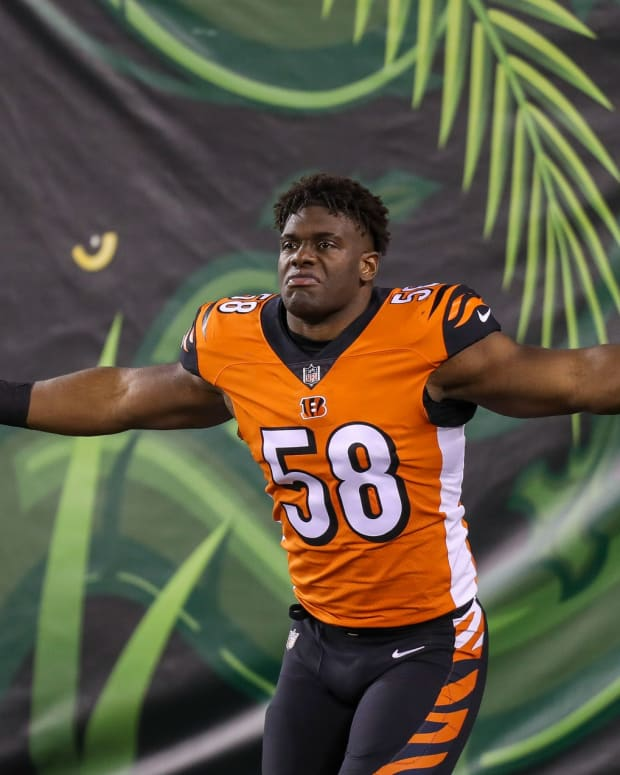 Dec 21, 2020; Cincinnati, Ohio, USA; Cincinnati Bengals defensive end Carl Lawson (58) reacts while running onto the field prior to the game against the Pittsburgh Steelers at Paul Brown Stadium. Mandatory Credit: Katie Stratman-USA TODAY Sports