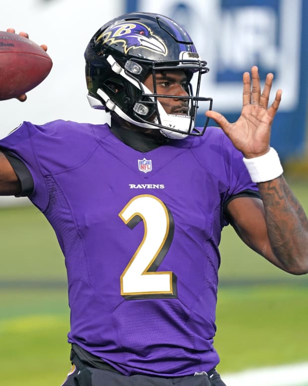 Dec 20, 2020; Baltimore, Maryland, USA; Baltimore Ravens quarterback Tyler Huntley (2) warms up prior to a game against the Jacksonville Jaguars at M&T Bank Stadium.