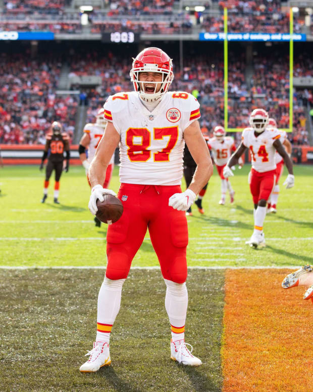 Nov 4, 2018; Cleveland, OH, USA; Kansas City Chiefs tight end Travis Kelce (87) celebrates his touchdown against the Cleveland Browns during the third quarter at FirstEnergy Stadium. Mandatory Credit: Scott R. Galvin-USA TODAY Sports