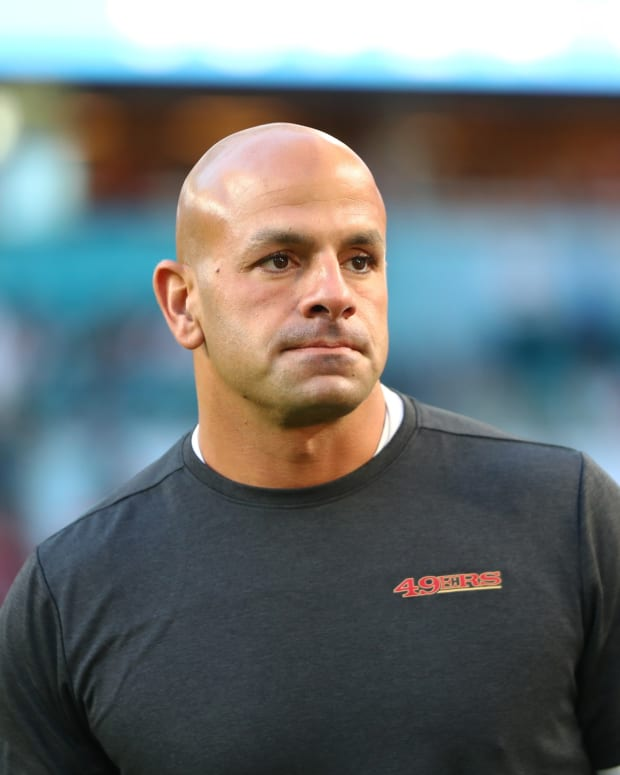 Robert Saleh coaching on sideline