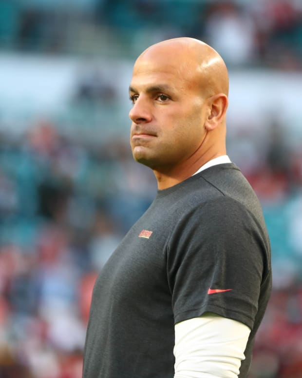 Robert Saleh on 49ers sideline