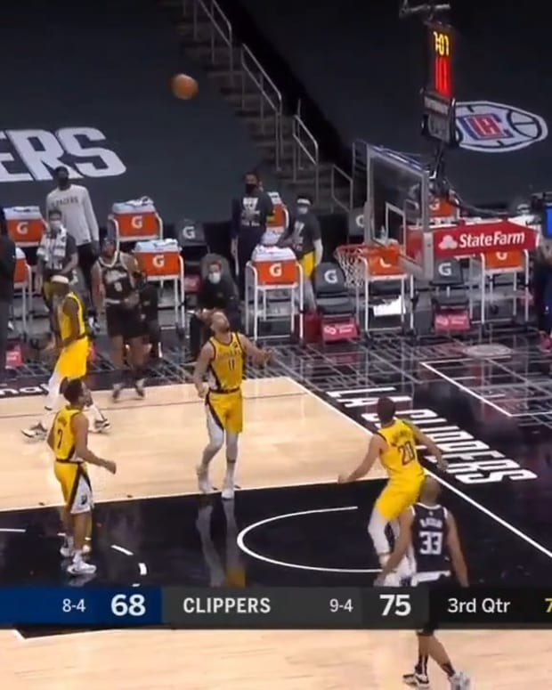 Clippers Offense vs Pacers Triangle-And-Two Zone