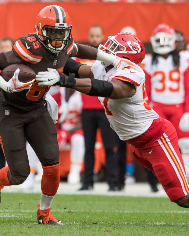 Nov 4, 2018; Cleveland, OH, USA; Cleveland Browns tight end David Njoku (85) and Kansas City Chiefs outside linebacker Breeland Speaks (57) during the second half at FirstEnergy Stadium.