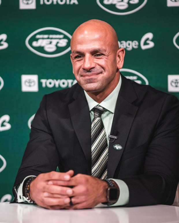 Jets head coach Robert Saleh during intro presser