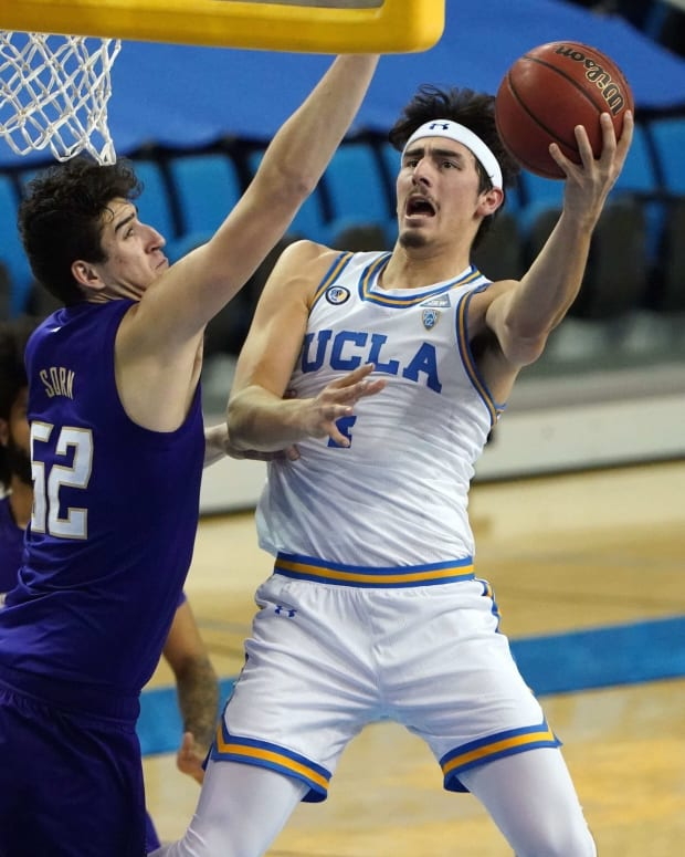 Riley Sorn alters a shot against UCLA.