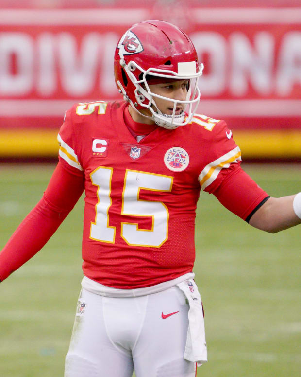 Jan 17, 2021; Kansas City, Missouri, USA; Kansas City Chiefs quarterback Patrick Mahomes (15) looks to the sidelines during the AFC Divisional Round playoff game against the Cleveland Browns at Arrowhead Stadium. Mandatory Credit: Denny Medley-USA TODAY Sports