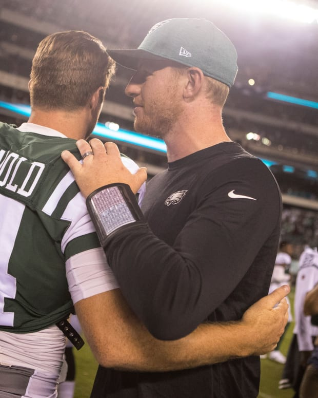 Carson Wentz and Sam Darnold talking postgame