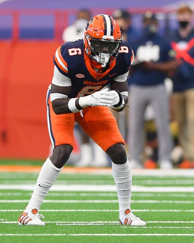 Sep 26, 2020; Syracuse, New York, USA; Syracuse Orange defensive back Trill Williams (6) against the Georgia Tech Yellow Jackets during the second quarter at the Carrier Dome.