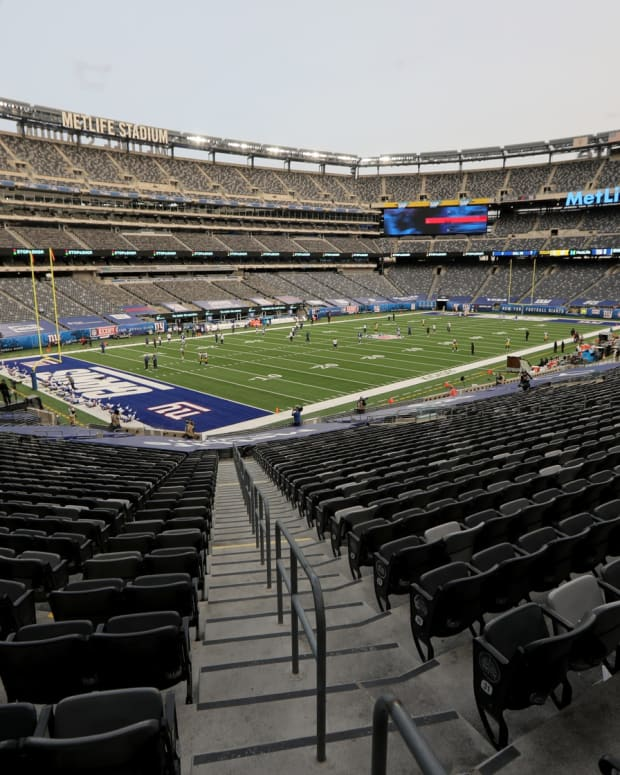 MetLife Stadium will be free of fans as the Giants take on the Steelers during Week 1 of Monday Night Football. Monday, September 14, 2020 Giants V Steelers Week 1.