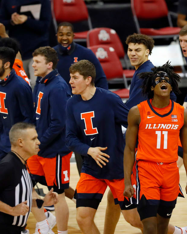 Illinois Fighting Illini guard Ayo Dosunmu (11) celebrates after beating Ohio State Buckeyes 73-68 during their game at Value City Arena in Columbus, Ohio on March 6, 2021.