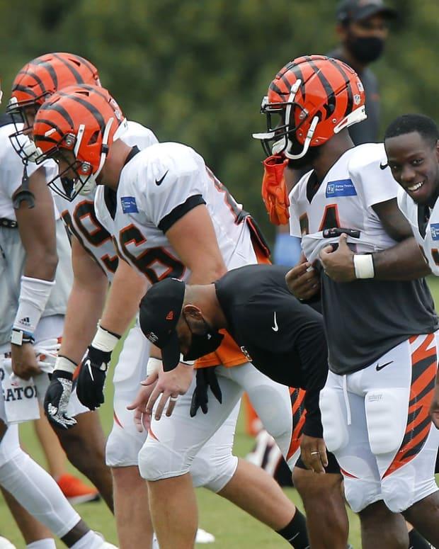 Aug 27, 2020; Cincinnati, Ohio, USA; Cincinnati Bengals wide receivers John Ross III (right) during training camp at the teams practice facility.