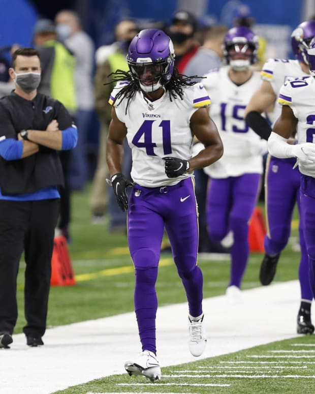 Anthony Harris (41) signed with the Eagles during the 2021 free agency period