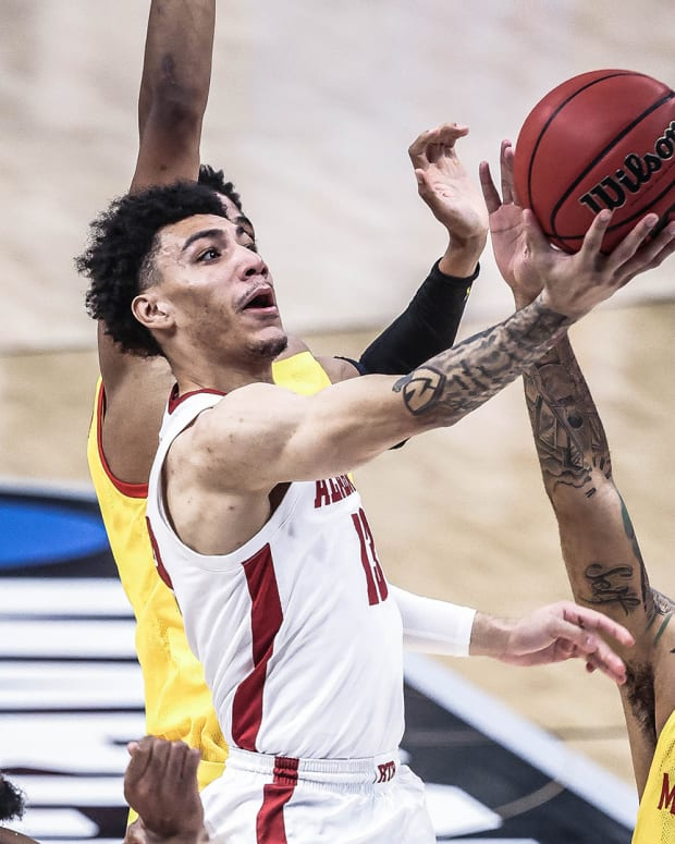 Jahvon Quinerly vs. Maryland in the NCAA Tournament