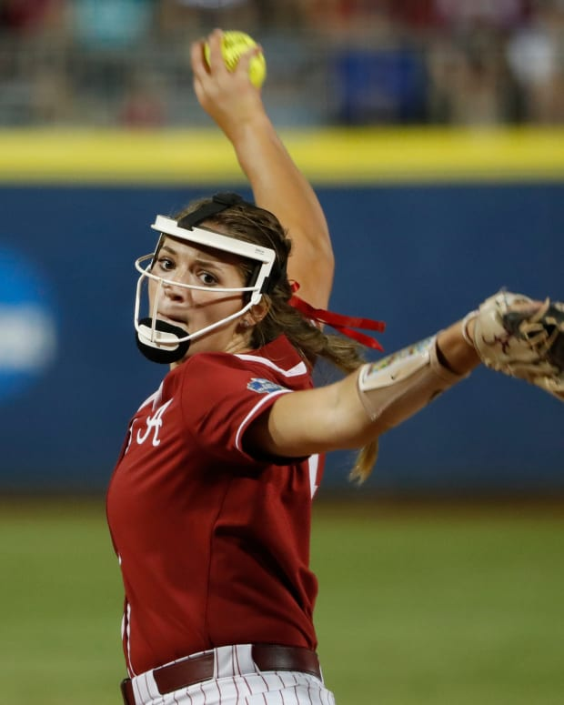 Alabama pitcher Montana Fouts