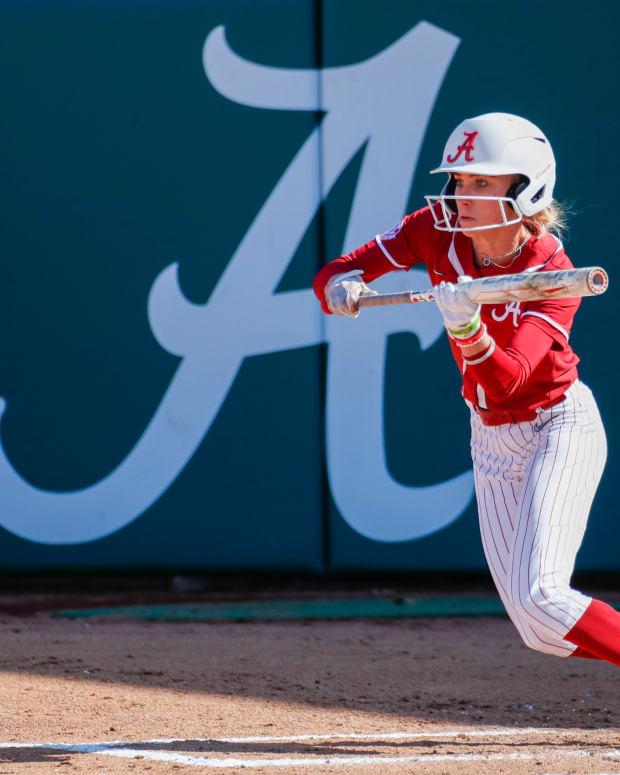Alabama softball player Alexis Mack