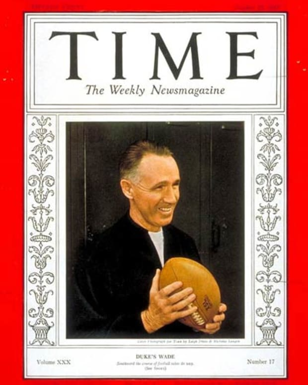 Wallace Wade on cover of Time: Oct. 25, 1937
