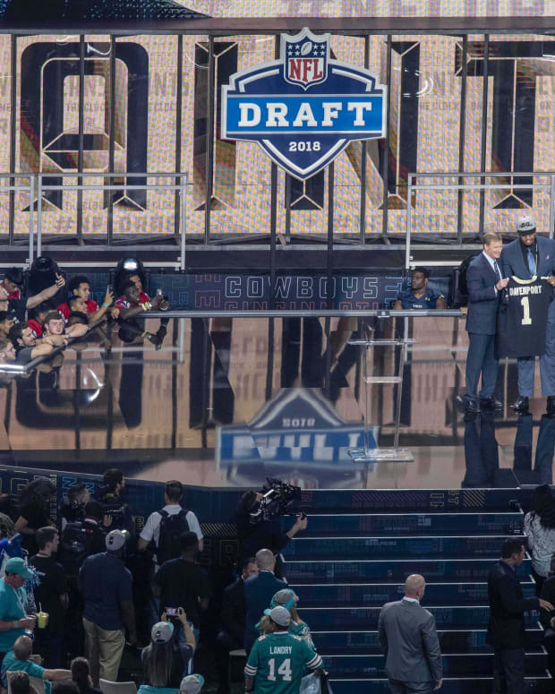Apr 26, 2018; Arlington, TX, USA; NFL commissioner Roger Godell announces the pick of Texas-San Antonio defensive end Marcus Davenport by the New Orleans Saints during the 2018 NFL Draft at AT&T Stadium. Mandatory Credit: Jerome Miron-USA TODAY Sports