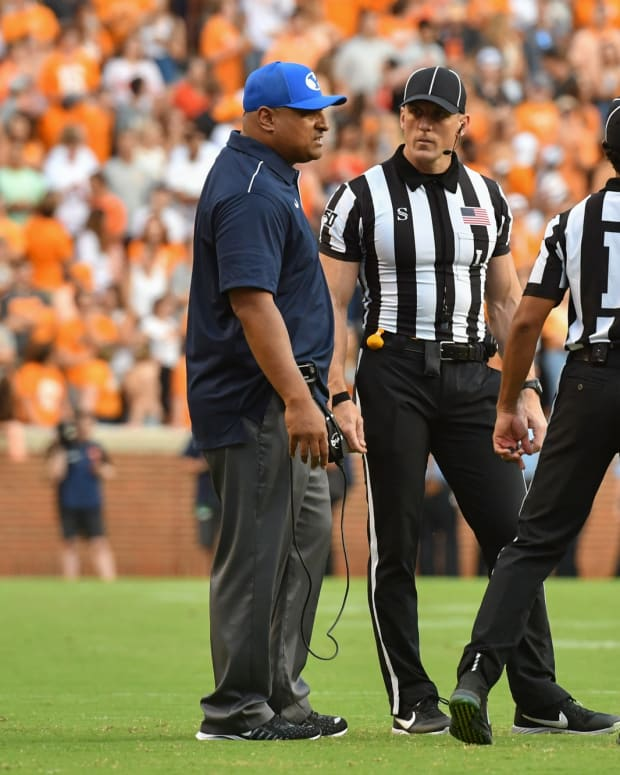 Kalani with refs at Tennessee
