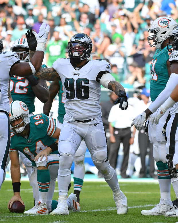 The Eagles have decided to pick the fifth-year option on defenssive end Derek Barnett's contract