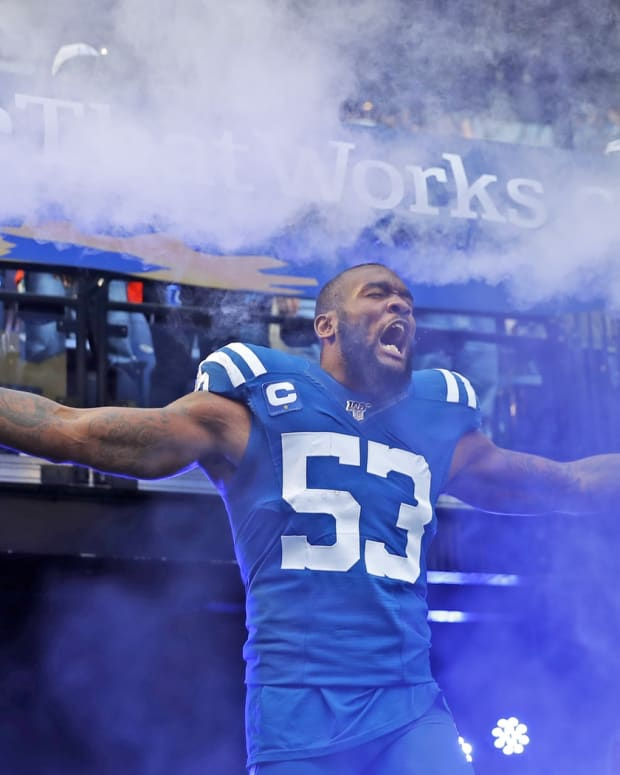 Indianapolis Colts linebacker Darius Leonard has been working out in his rural South Carolina countryside this offseason and converted the Man Cave into a weight room with equipment borrowed from his high school.