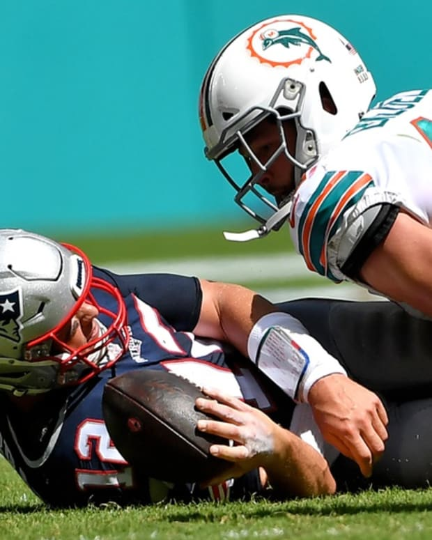 Dolphins linebacker Vince Biegel got to Tom Brady for his first NFL sack in 2019