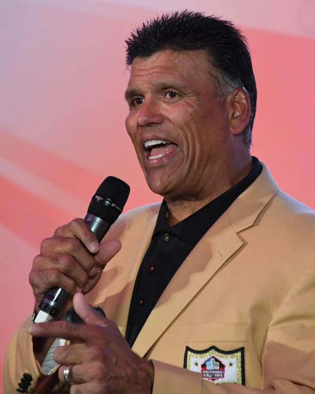 Oct 29, 2016; London, United Kingdom; Pro Football Hall of Fame and Cincinnati Bengals former offensive tackle Anthony Munoz speaks during the NFL International Series Fan Rally at the Victoria House. Mandatory Credit: Kirby Lee-USA TODAY Sports