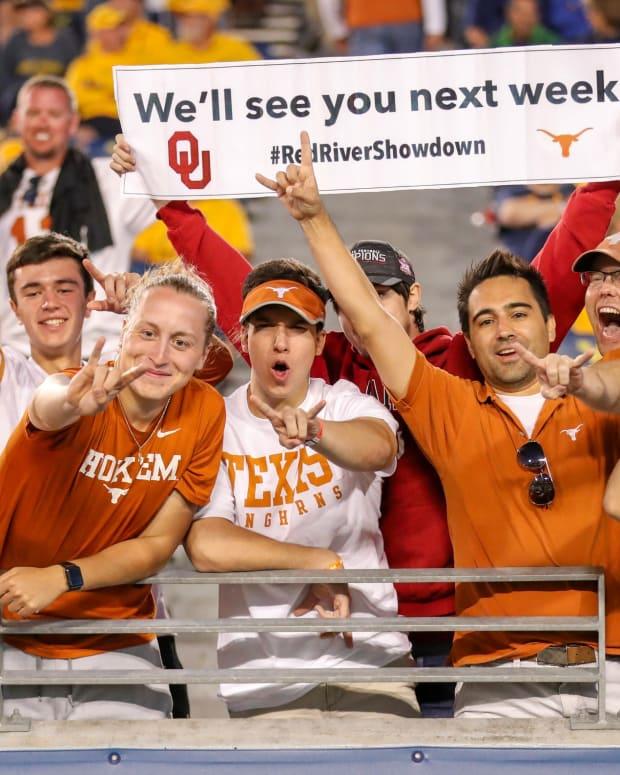 Texas Fan Broll19