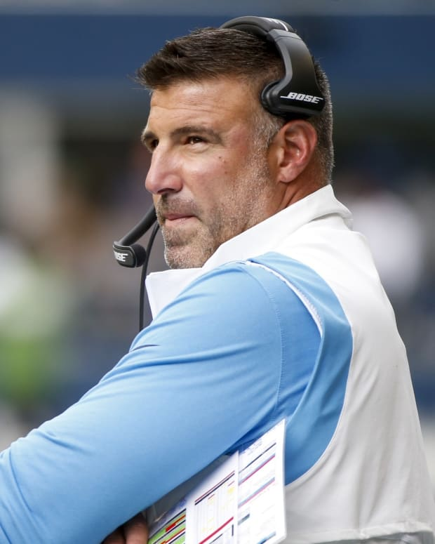 Tennessee Titans head coach Mike Vrabel stands on the sideline during the second quarter against the Seattle Seahawks at Lumen Field.