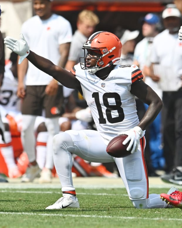 Aug 22, 2021; Cleveland, Ohio, USA; Cleveland Browns wide receiver Davion Davis (18) signal first down during the second half against the New York Giants at FirstEnergy Stadium. Mandatory Credit: Ken Blaze-USA TODAY Sports
