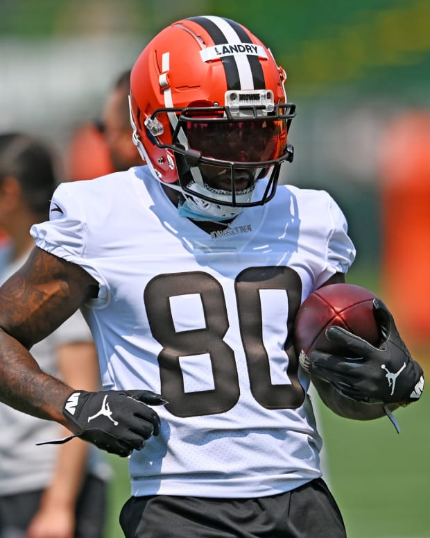 Jul 28, 2021; Berea, Ohio, USA; Cleveland Browns wide receiver Jarvis Landry (80) during training camp at CrossCountry Mortgage Campus. Mandatory Credit: Ken Blaze-USA TODAY Sports