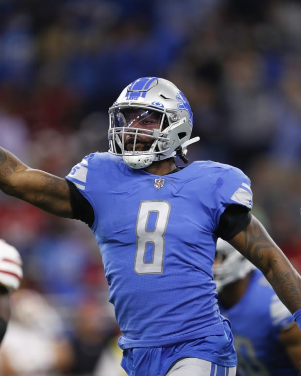 Detroit Lions outside linebacker Jamie Collins (8) celebrates after recovering a fumble during the first quarter against the San Francisco 49ers at Ford Field.