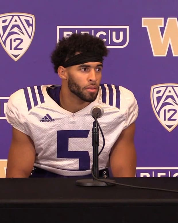 Alex Cook reacts to the news of Emeka Megwa enrolling early at the UW.