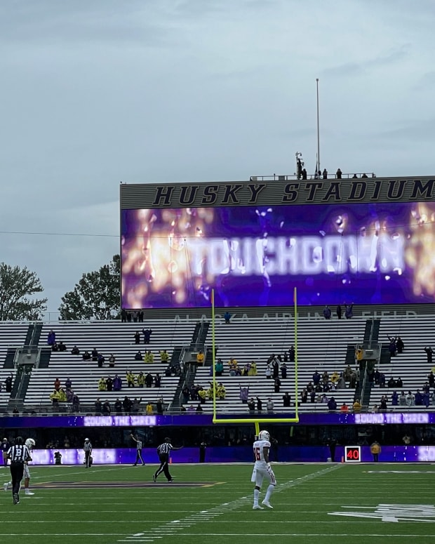 The Husky readerboard lights up after a score.