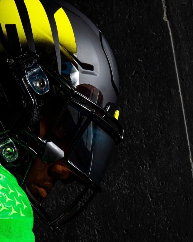 Oregon vs. Arizona Uniforms