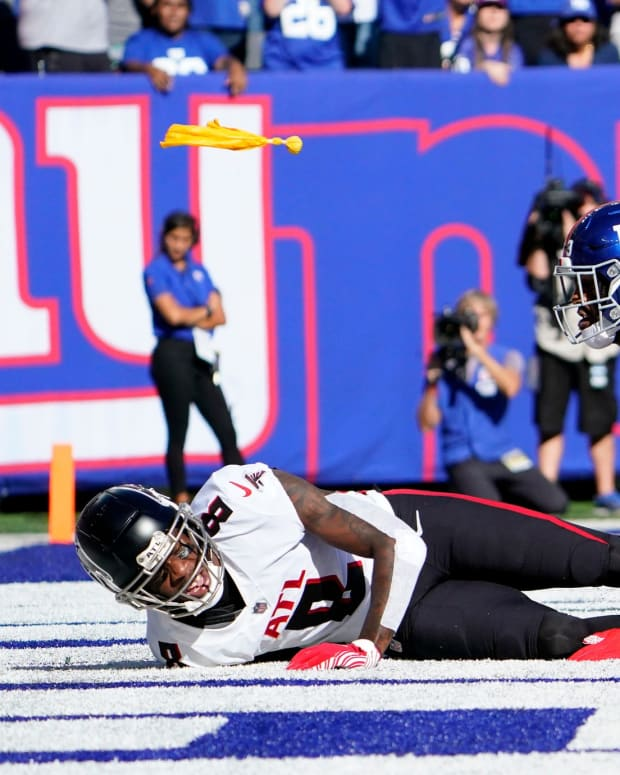 A pass interference penalty is called on New York Giants cornerback Logan Ryan (23) after breaking up a touchdown pass intended for Atlanta Falcons tight end Kyle Pitts (8) in the second half at MetLife Stadium on Sunday, Sept. 26, 2021, in East Rutherford.