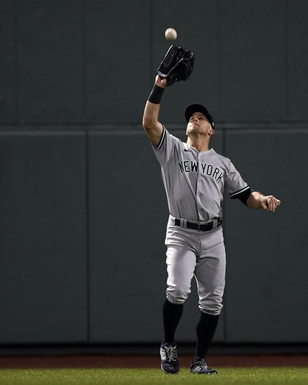 Yankees CF Brett Gardner makes catch