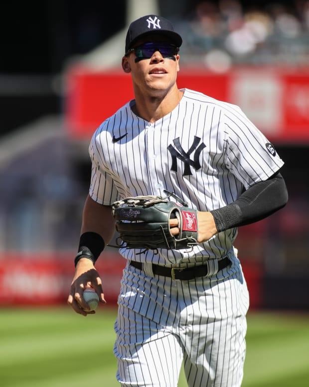 Yankees RF Aaron Judge running in pinstripes