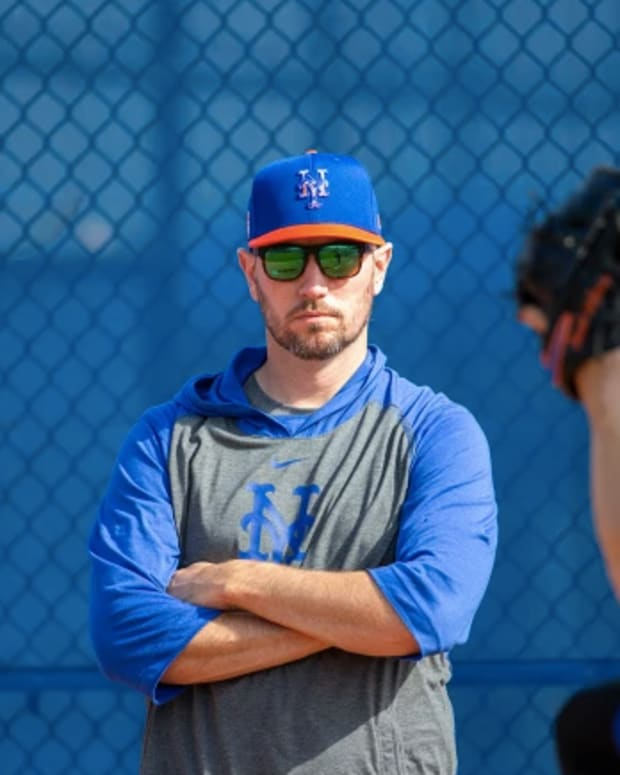 Mets pitching coach Jeremy Hefner.