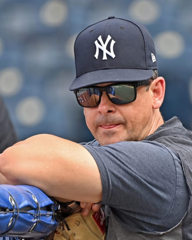Yankees manager Aaron Boone at batting practice