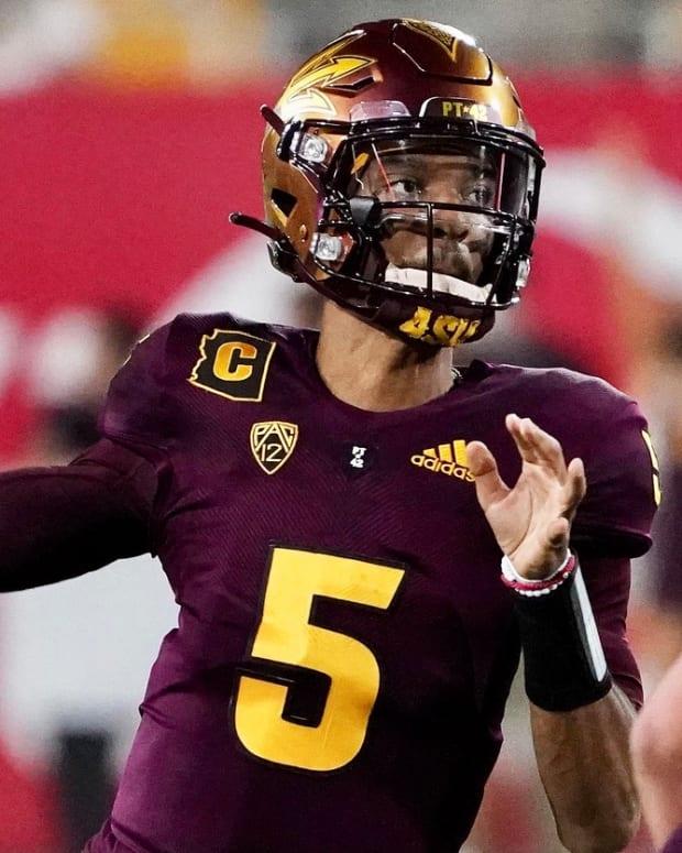 Arizona State quarterback Jayden Daniels